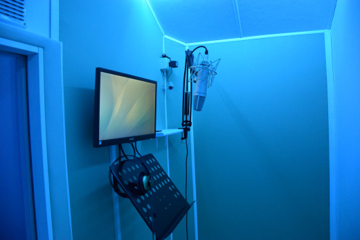 Voice Over Maxy Sound Recording Studio